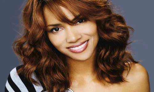 Plastic surgery pushed like crack in Hollywood: Halle Berry