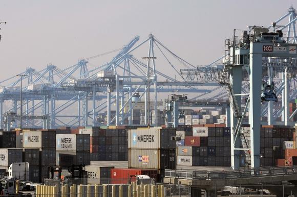 Contract negotiators for US West Coast ports reach tentative deal