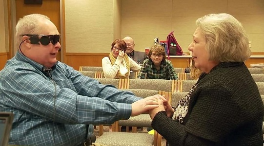 Blind man sees wife for the first time in a decade