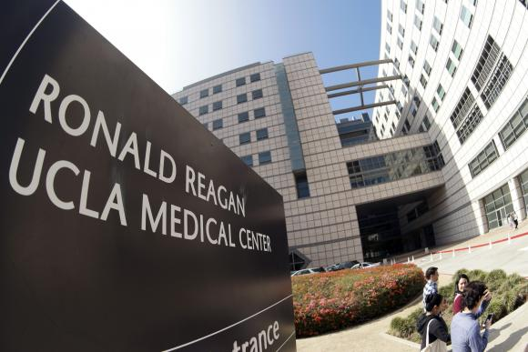 FDA knew devices spread fatal 'superbug' but does not order fix