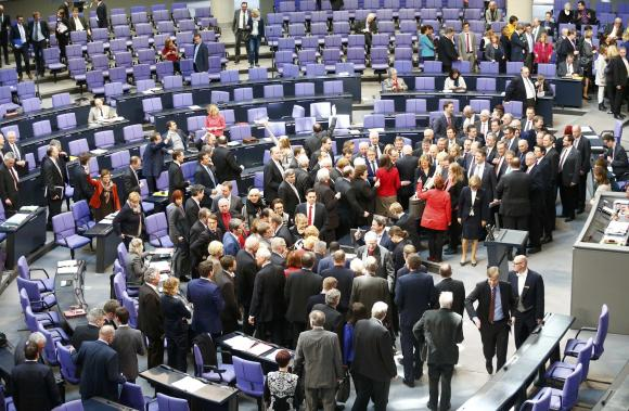 German parliament approves Greek bailout extension