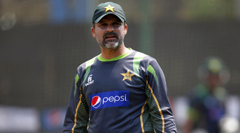 Casino visit: Moin Khan apologizes to nation, says made mistake inadvertently