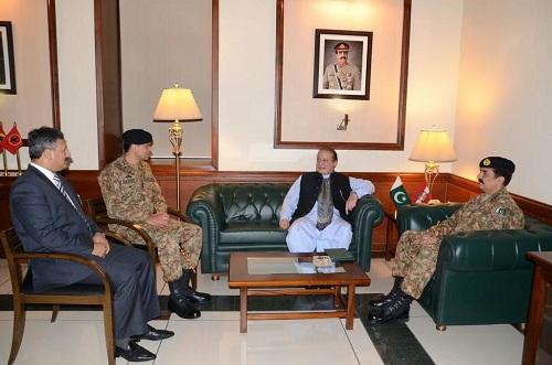 PM meets COAS, chairs Apex Committee meeting in Karachi