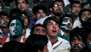 Enthusiastic fans glue to big screens throughout Pakistan-India match