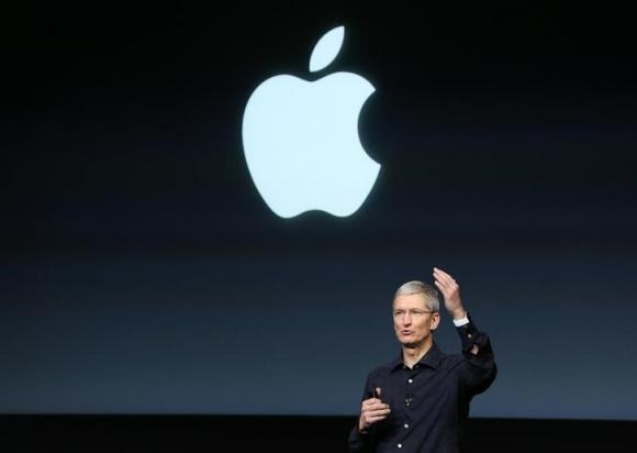 Apple studies self-driving car, auto industry source says