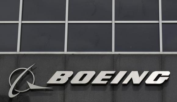 UK awards Boeing 420 million pound contract to support Chinook helicopters