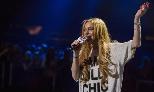 Court orders more community service for Lindsay Lohan after dispute