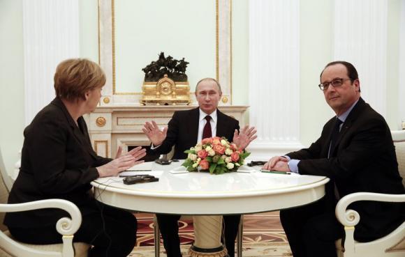 Kremlin talks on Ukraine yield little but agreement to keep talking