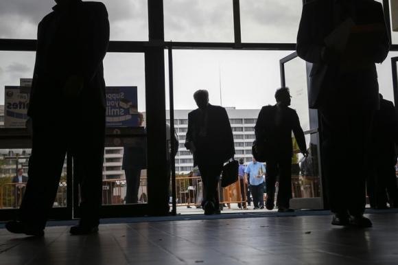 U.S. jobs market seen firm despite slowing economy