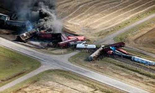 Mozambique freight train derails, at least 17 dead