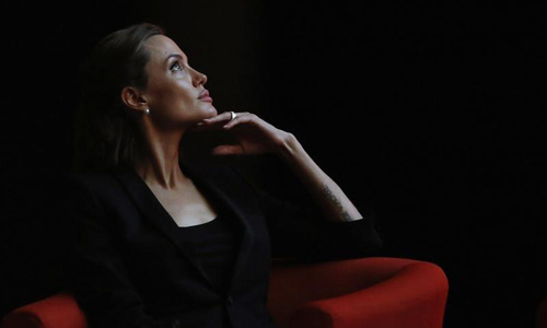 Cancer experts laud Angelina Jolie's decision to remove ovaries
