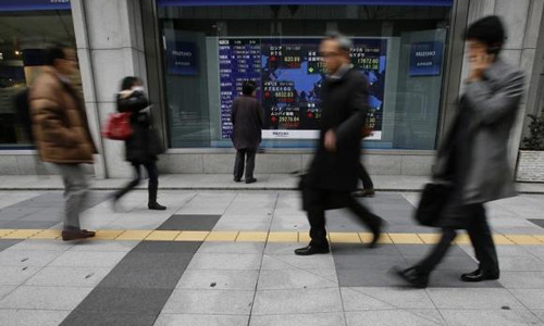 Asia stocks firm amid conflicting signals, dollar holds gains