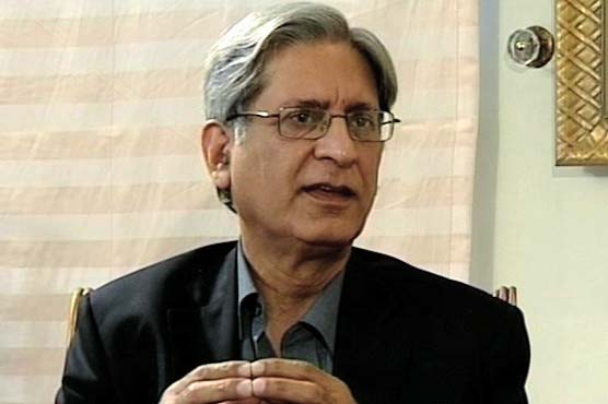Why do the companies of PM Nawaz are always in profit, asks Aitzaz Ahsan