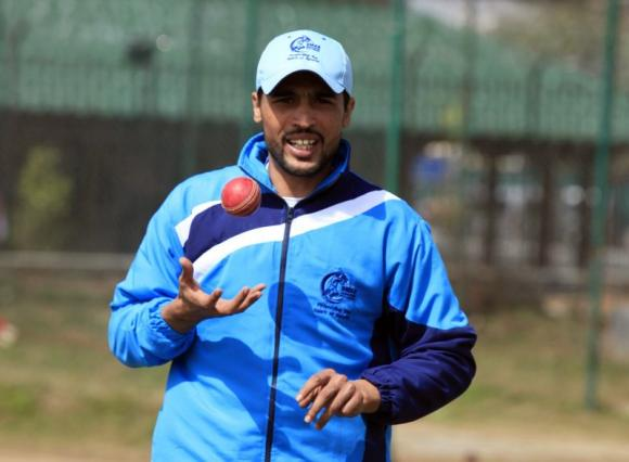 Amir takes three wickets on return