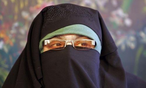 Hurriyat leader Asiya Andrabi booked for unfurling Pakistan flag, reciting national anthem in Srinagar