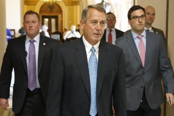 Boehner calls on Clinton to hand over email server to third party