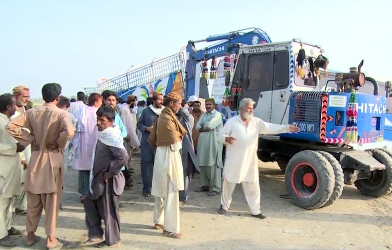 13 dead, 20 injured in bus-truck collision near Khairpur