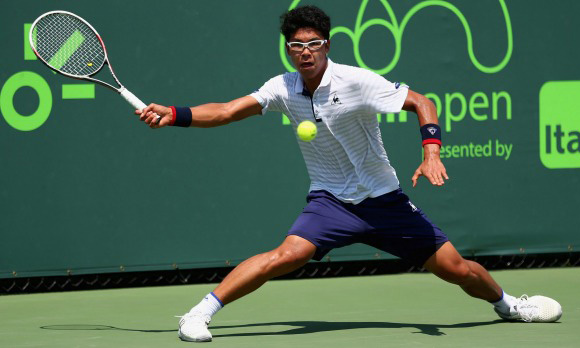 Chung gets maiden ATP Tour-level win, Sock advances in Miami