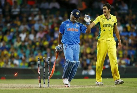 Dhoni says pressure of run-chase was too much for India