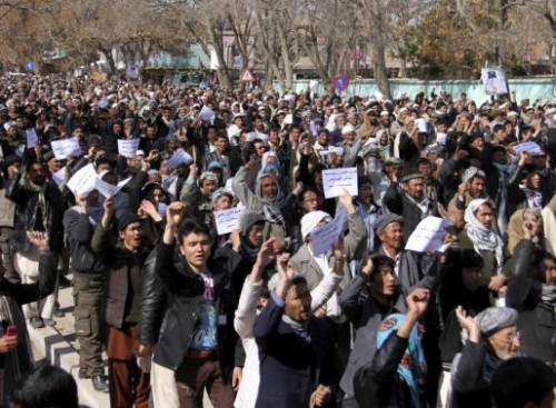 Ethnic Hazara demonstrators protest demanding action to rescue Hazaras kidnapped from a bus by masked men who many believe are influenced by Islamic State, in Ghazni, March 17, 2015. REUTERS