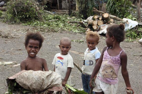 First aid teams reach Vanuatu, find widespread devastation