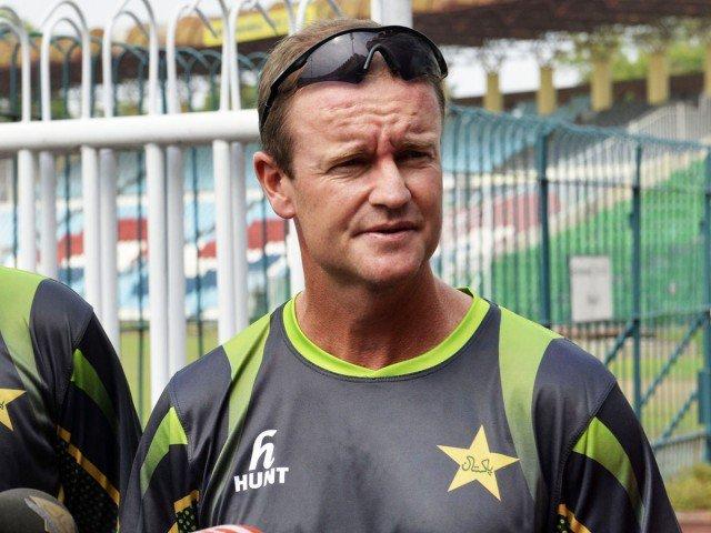 Flower urges Pakistan's top-order batsmen to step up