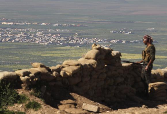 Islamic State militants raze Iraq's ancient Hatra city