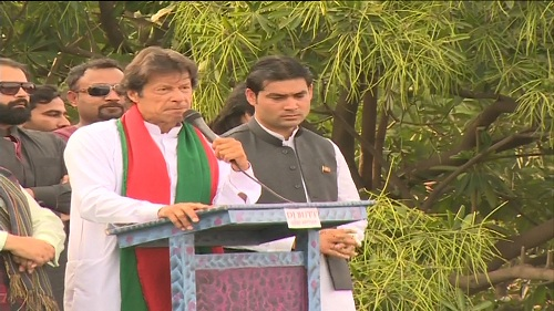 Imran Khan says 2015 is election year; people sit in Altaf's meeting like 'living corpses'
