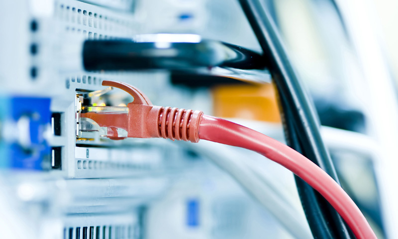United Internet 2014 core profit up by a third on new customers