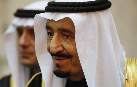 Saudi king Salman keeps close hand on oil in remodelling strategic team