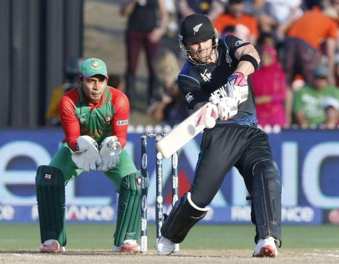 Kiwis defeat Bangladesh by three wickets, complete unbeaten group run