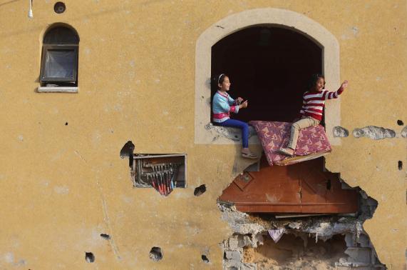 Qatar says to begin rebuilding 1,000 homes in Gaza