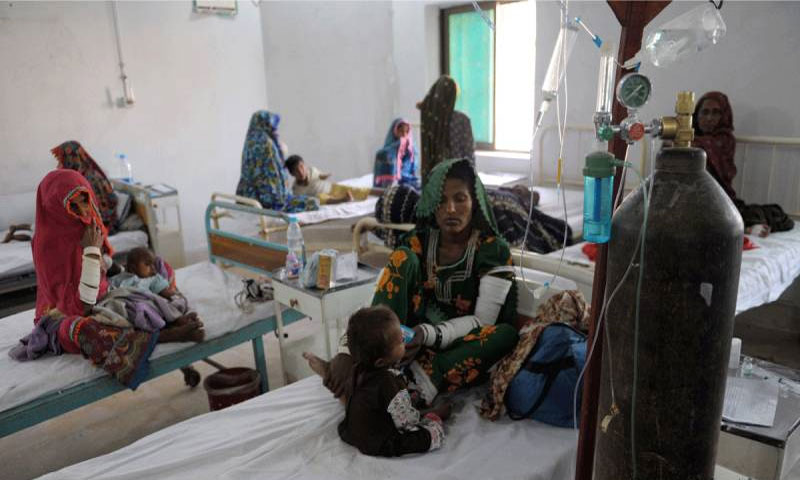 Four more kids fall prey to malnutrition in Tharparkar, death toll rises to 132