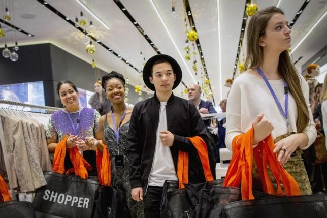 US consumer confidence surges in March