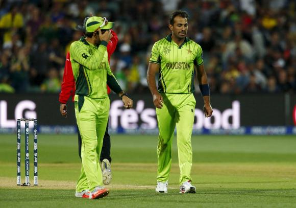Pakistan hero Wahab's enthralling duel with Watson sparks life into match