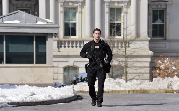 White House lockdown lifted, Obama leaves