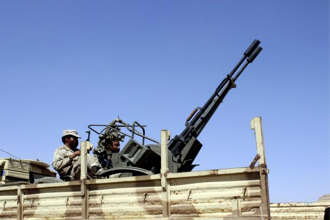 Heavy clashes on Saudi-Yemen border; Hadi government pleads for troops