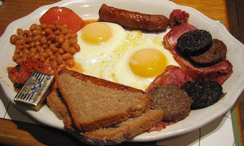 Large breakfast, small dinner tied to better diabetes blood sugar