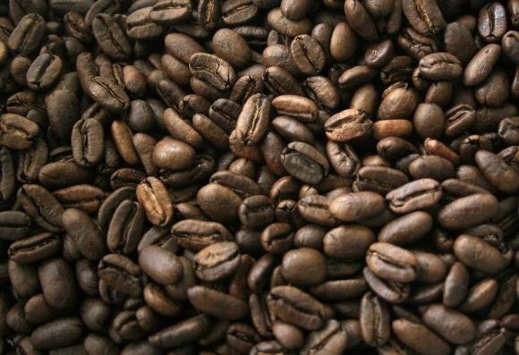 As Venezuela coffee output sinks, it swaps oil to import Nicaraguan beans