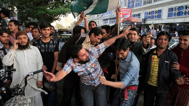 Frenzied celebrations mark Pakistan victory in World Cup