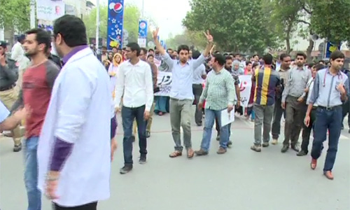 Young doctors end protest as talks succeed with government