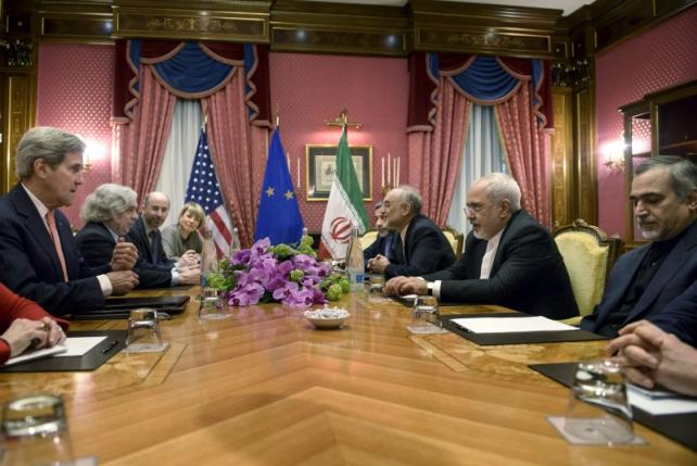Iran, powers close in on 2-3 page nuclear deal; success uncertain