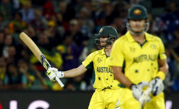 Australia defeat Pakistan by six wickets to reach World Cup semis