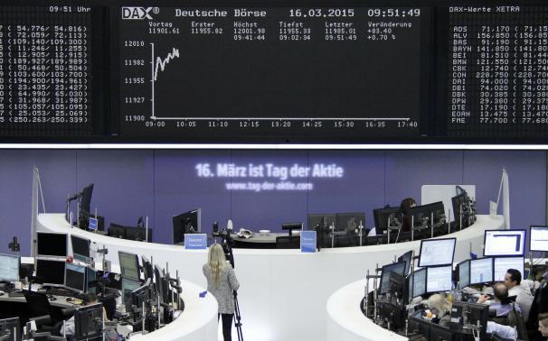 Weak euro powers European stocks to new highs