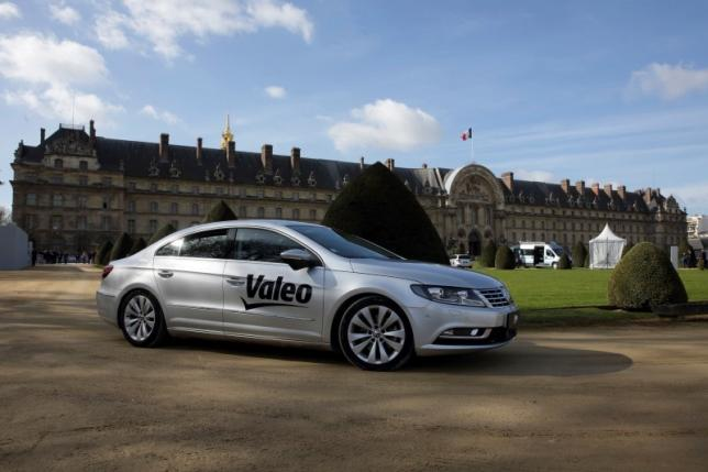 Valeo's self-driving car systems learn from Safran drones