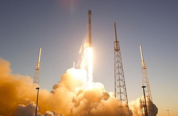 US, SpaceX focus on second stage engine to wrap up certification