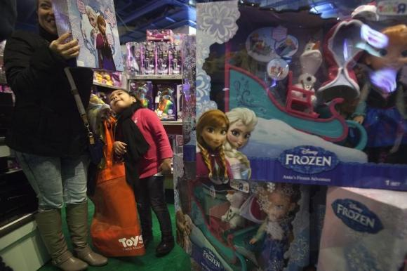 Disney feeds 'Frozen' frenzy with news of sequel