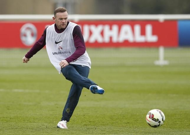 Rooney needs honours to be ranked with Charlton