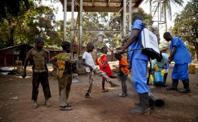 Guinea president announces new emergency measures in Ebola fight