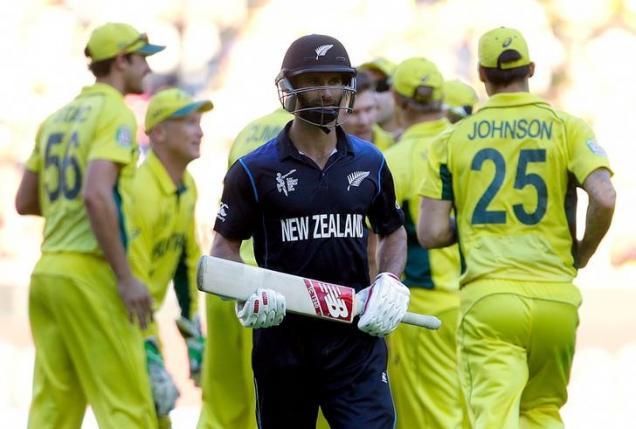 New Zealand set Australia 184 to win World Cup